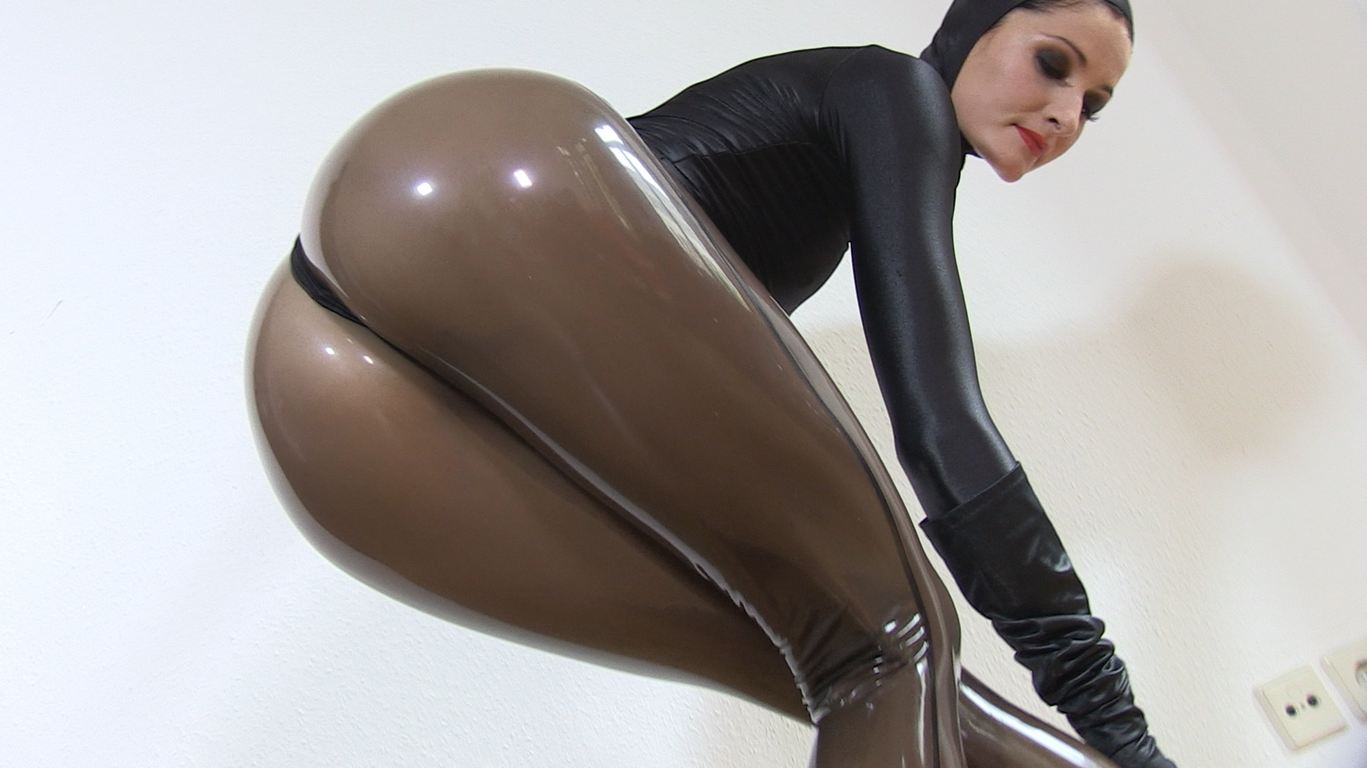Lap Dance in Latex